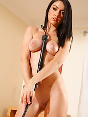 Mistress Bryoni is going to slowly unzip her PVC corset. Shes got thigh-high PVC