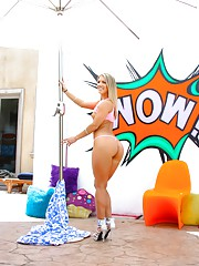 Blondes Sodomy And Enema Date