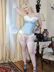 With her fascination for pinup and burlesque Laura puts on a striptease show featuring