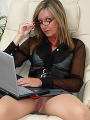 Normal pantyhose can be a little restrictive but these crotchless pantyhose are just