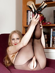 Cute Lucy looks so sweet in her party outfit and seamless pantyhose!