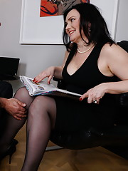 Curvy housewife foolibg around with her lover