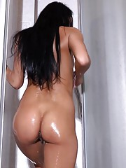 Lexi Dona toys a dildo in the shower