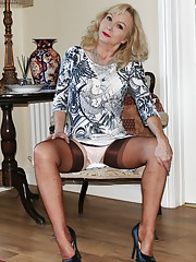 Mature in girdle and nylons