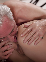 He wants to learn her English she wants to learn him to kiss and to fuck. She has