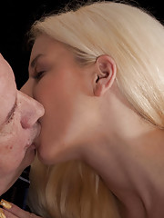 She is used to fuck in different languages but a French Fucker is new. His dick has