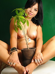 Sweet Asha is exposing her voluptuous body to our greedy eyes