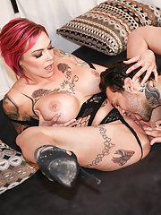 Anna Bell Peaks Small Hands