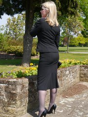 Sexy secretary Milf Jenny takes her lunch break outdoors wearing her nice suit sunglasses