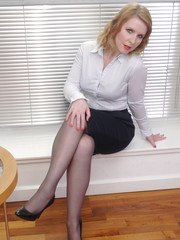 Hot secretary Jenny reveals her gorgeous black nylons and sexy high heel shoes at