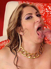 Horny MILF gives a fantastic blowjob before getting fucked by a mature guy