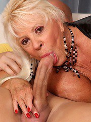 Cock hungry granny gets naked and suck a fat dick so good