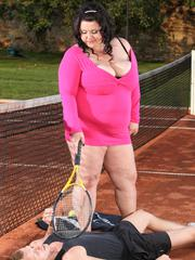 Fat meloned BBW cutie Viktorie sits on a guys face outdoors