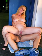 Dirty MILF gets an anal creampie