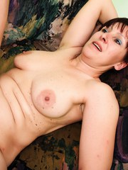 Natural brunette MILF wants her hairy pussy fucked