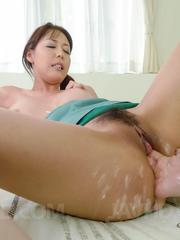 Akari Asagiri Asian gets two fingers in full of cum fish taco