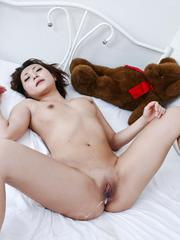 Yuu Shiraishi Asian gets vibrators on and inside shaved beaver
