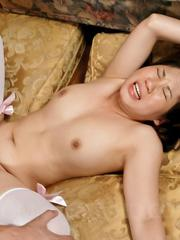 Emiri Takeuchi Asian in stockings rides shlong with pink beaver