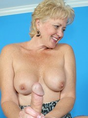 Real Tampa Swingers - Tracy Lick Handjob