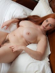 TITANIA ON THE BED