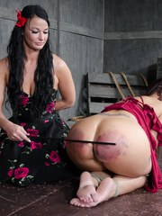 London had been dying to work with Syren for a while. So when Syren shows up to shoot