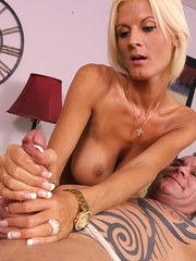 Busty blonde masseuses gave her client a happy ending handjob