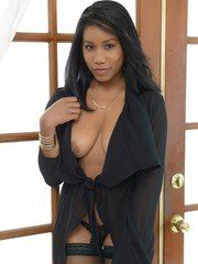 There is a new sexy star in town and her name is Jenna Foxx. Watch this beautiful