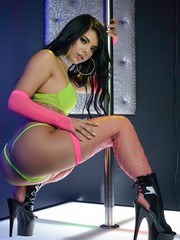 Gina Valentina loves to Suck big cock and today at the strip club she takes home