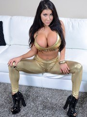 If you like real pornstar looking girls you must be a huge fan of this bombshell