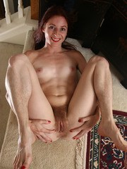 Hairy housewife Evane Nordstern