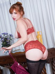 34 year old housewife Amber Dawn is happy to let you see the secrets beneath her