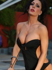 Jessica Jaymes shows off her naked beautiful body including her big clit and pierced