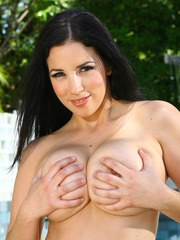 Her big natural breasts luscious womanly curves - heck even her name is sexy. Jelena