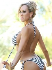 Sexy outdoor photos of the fit Brandi Love stripping from her bikini.