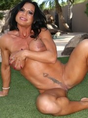 Bodybuilder Rhonda Lee strips outside and flexes all her big beatiful muscles.