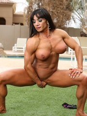 Bodybuilder Marina Lopez strips off her bikini outside and flexes every inch of her