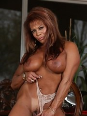 If you love muscles hard asses tan lines big breasts and a big clit DD is your fantasy
