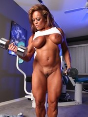 DD feels right at home in the gym. She wants you to watch her workout and worship