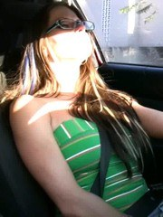 Rachel Roxxx gets herself off in her car with her naughty toy while driving!