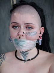 Luna LaVey has all the right curves. Even the ones on the top of her head. Shes got