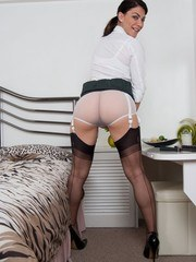 Roxy showing off her ff stockings and tight curvy bum in nylon panties!
