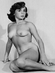 Mixed 1950s softcore nudie pics!