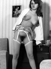 1960s English tart showing her hairy minge at home!