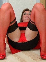 Babe changes from red to black nylons