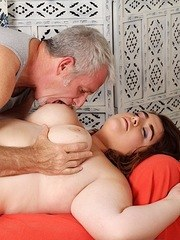 Chubby girl gets naked and enjoys her pussy being massaged by her maseur