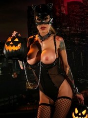 Sarah is a sexy Cat Woman