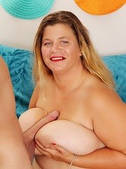 Big and bulky BBW gives ablowjob and then gets fucked good