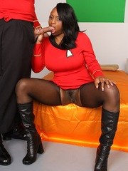 Uhura played by Jada Fire gets fucked hard by Scotty!
