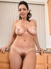 Busty Housewife Mindi Mink
