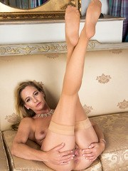 Cock hungry housewife Elegant Eve is a buxom UK mom who has aged gracefully into